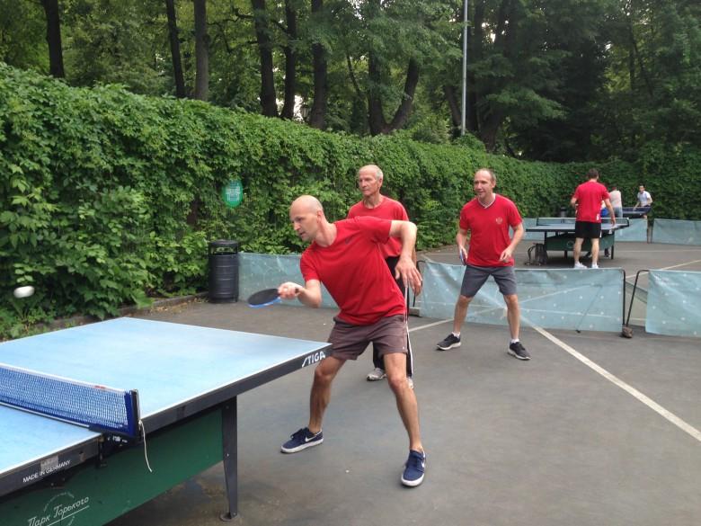 Трио - настольный теннис фото
