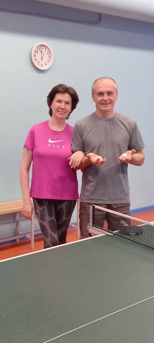 Оля и Дима Бочаровы - настольный теннис фото