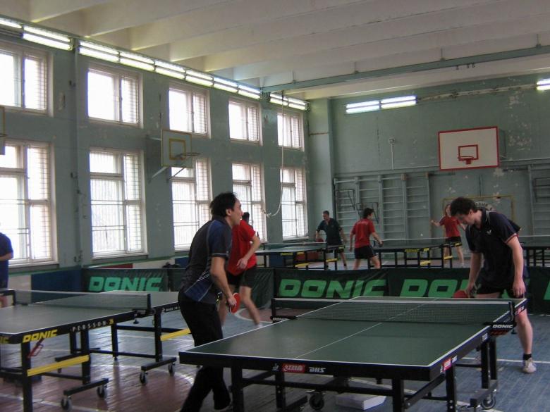 Разминка продолжается - настольный теннис фото